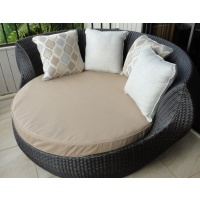 Sherena Round DayBed