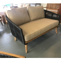 morata loveseat w cushions